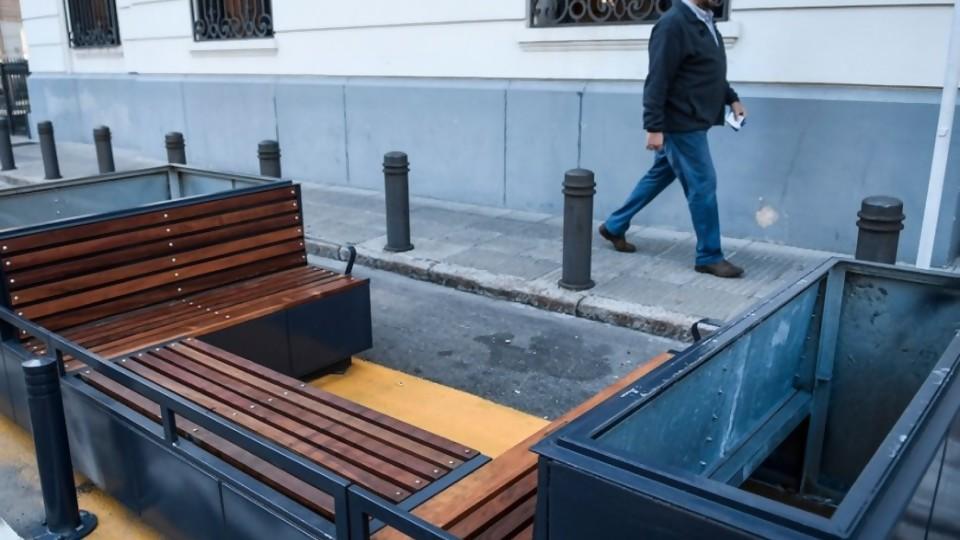 Estaciones de descanso de Plaza Zabala, el nuevo Corredor Garzón de la IM —  Columna de Darwin — No Toquen Nada | El Espectador 810
