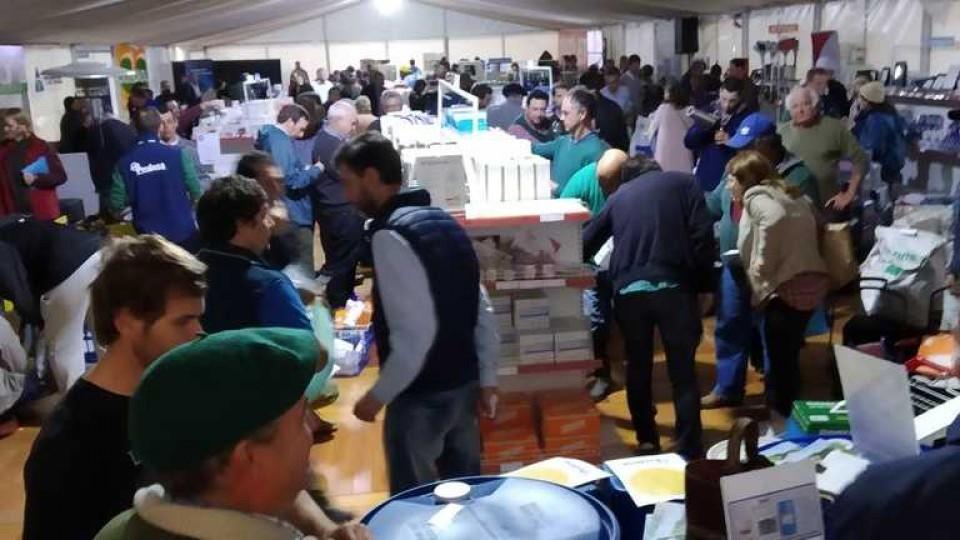 Buena presencia de productores en la novena feria de Prolesa —  Lechería — Dinámica Rural | El Espectador 810