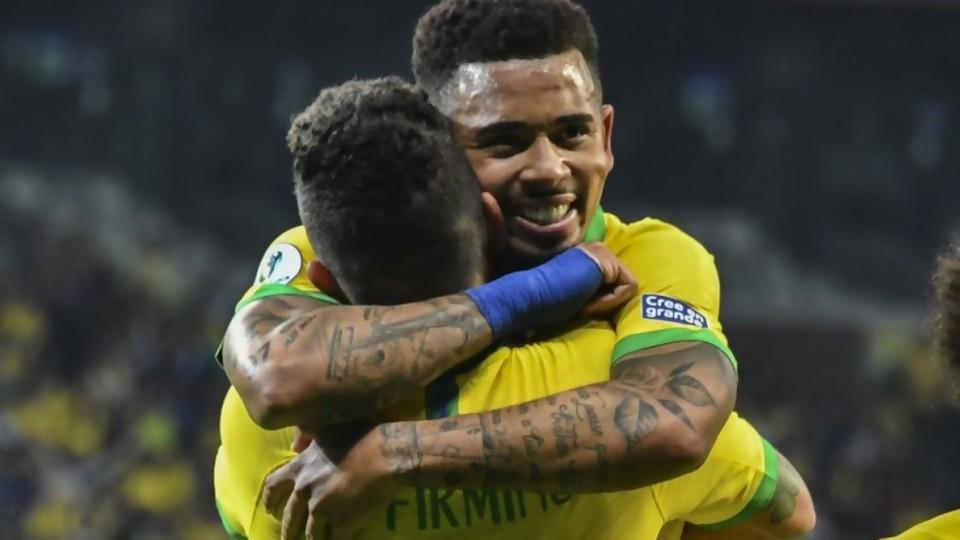 Brasil en la final y el VAR en discusión  —  Diego Muñoz — No Toquen Nada   El Espectador 810