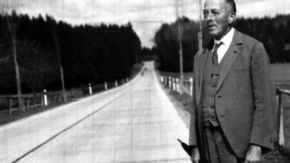 Robert Walser, el más grande de los escritores menores —  Maxi Guerra — Otro Elefante | El Espectador 810