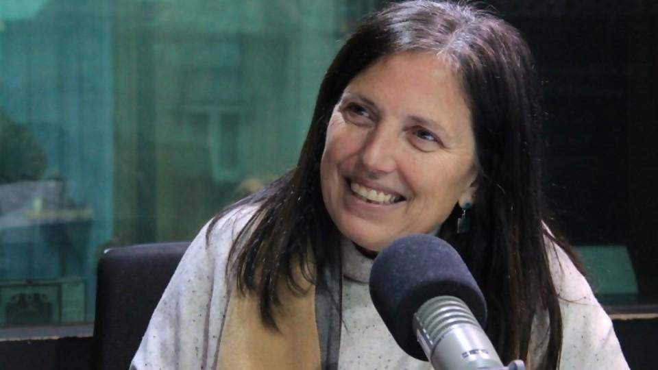 Claudia Piñeiro: una escritora que juega opinión en los temas de la actualidad —  La Entrevista — Más Temprano Que Tarde | El Espectador 810