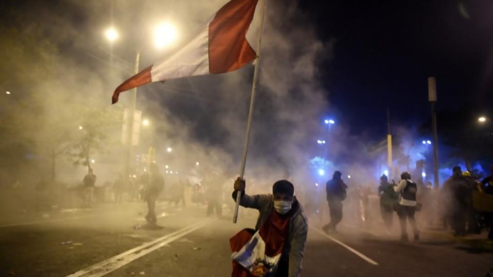 Perú y la máxima expresión de la fragmentación de partidos —  Victoria Gadea — No Toquen Nada   El Espectador 810