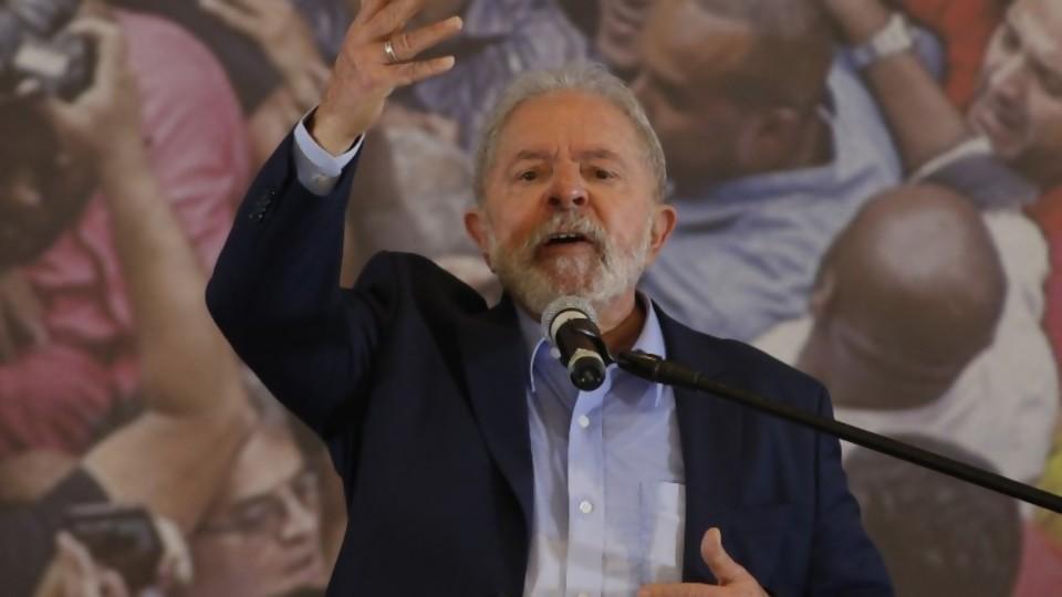 Lula y Bolsonaro se preparan para 2022 —  Denise Mota — No Toquen Nada | El Espectador 810