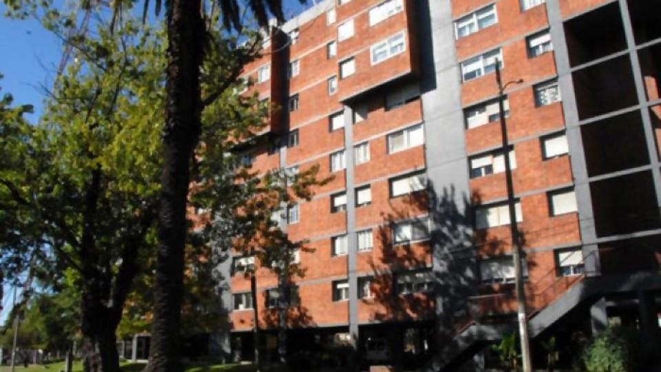Diferencias entre derecho a la vivienda y propiedad —  Cuestión de derechos: Dr. Juan Ceretta — Más Temprano Que Tarde | El Espectador 810