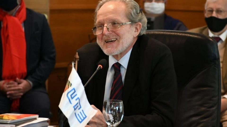 """Enrique Pees Boz: """"Gas Sayago fue un voluntarismo fracasado"""" —  Entrevistas — Al Día 810   El Espectador 810"""