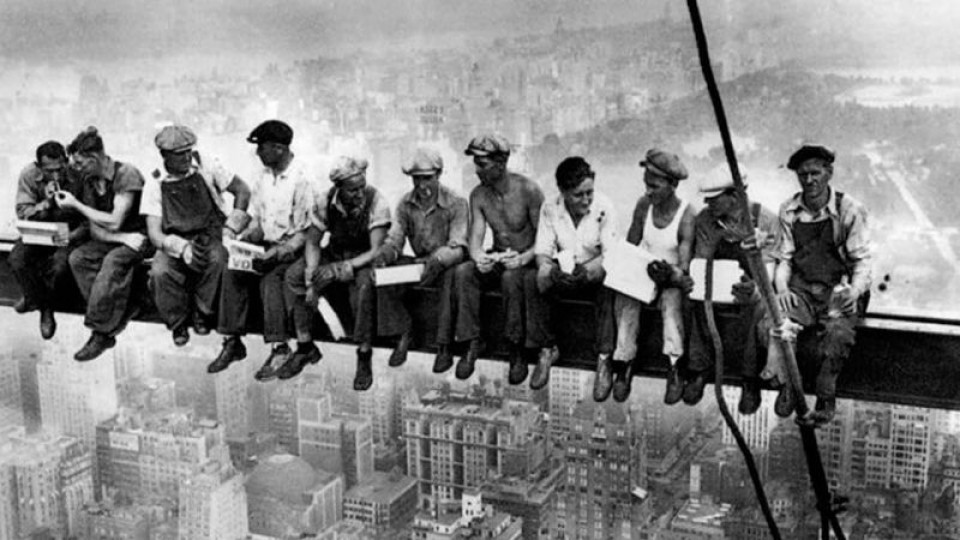 1 de mayo, Día Internacional de los Trabajadores —  Archivo Central — Espectadores   El Espectador 810