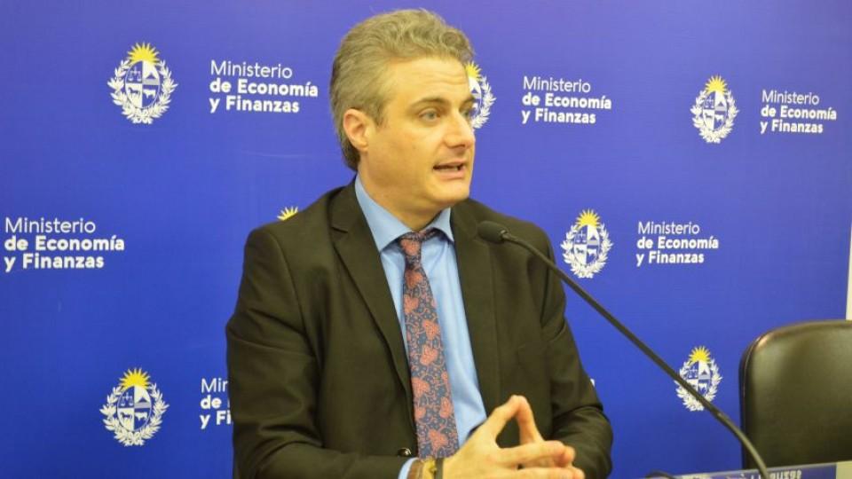 """Herman Kamil: """"Uruguay quedó bien parado en su salida a los mercados internacionales"""" —  Entrevistas — Primera Mañana   El Espectador 810"""