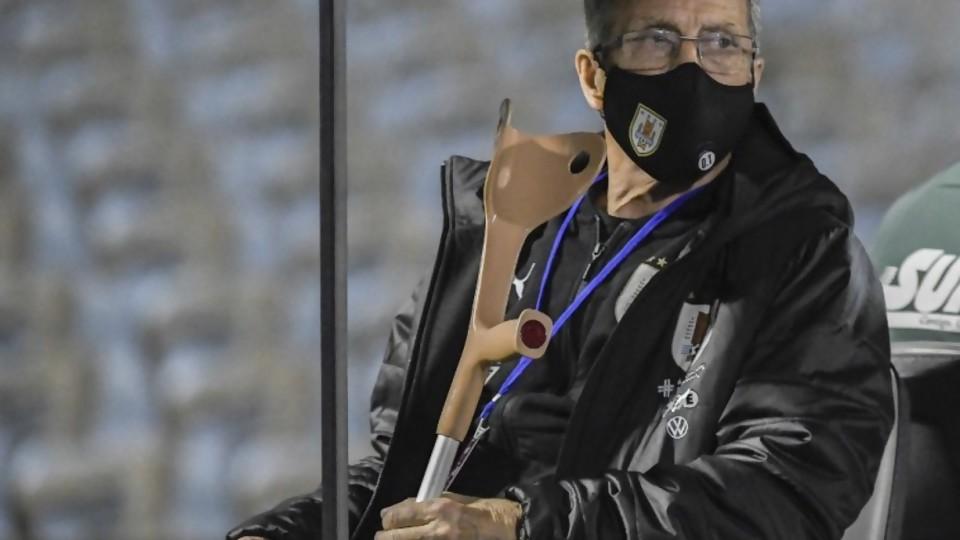 Polémica en la deportiva: ¿falló el sistema de Tabárez? —  Darwin - Columna Deportiva — No Toquen Nada | El Espectador 810