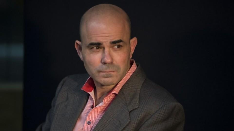 Lenguaje inclusivo, el tino de Eduardo Sacheri y el desatino de Juana Viale —  Audios — No Toquen Nada   El Espectador 810