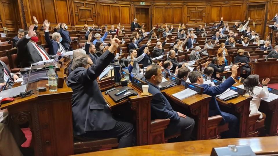 Cabildo Abierto enfrenta a un dilema tanto a sus socios de la Coalición como al Frente Amplio —  Cuestión de derechos: Dr. Juan Ceretta — Más Temprano Que Tarde   El Espectador 810