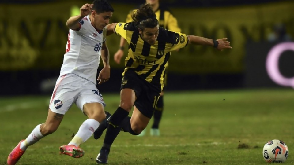 Peñarol lo pasó por arriba sin sacarle ventaja —  Darwin - Columna Deportiva — No Toquen Nada   El Espectador 810