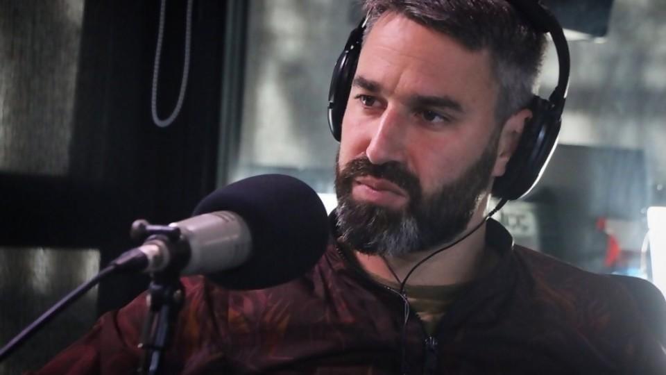 """La vida de Martín Rodríguez y cómo """"desactivó el miedo"""" con su orientación sexual —  Charlemos de vos — Abran Cancha   El Espectador 810"""