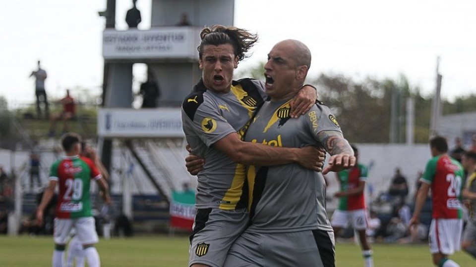 Peñarol logró un triunfo tan importante como emotivo —  Deportes — Primera Mañana | El Espectador 810