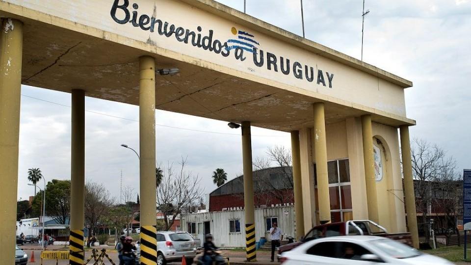 Las dificultades en la Aduana ante la inminente apertura de fronteras —  Qué tiene la tarde — Más Temprano Que Tarde   El Espectador 810