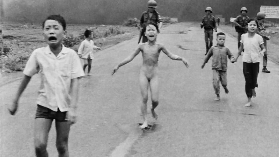 Una foto de guerra, una historia de amor  —  Leo Barizzoni — No Toquen Nada | El Espectador 810