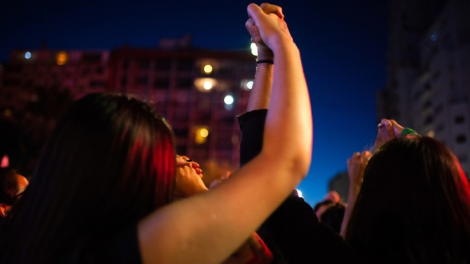"""Intersocial Feminista: """"La mayor inseguridad que sufrimos las mujeres y las adolescentes es dentro de nuestras casas"""" —  Entrevistas — Al Día 810   El Espectador 810"""