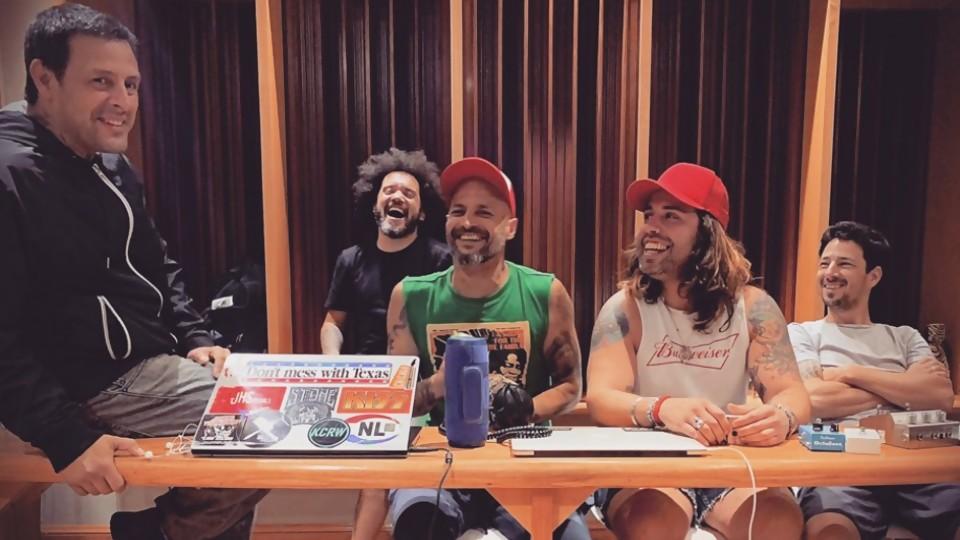 Cocinando el nuevo disco de Once Tiros —  Pablo Silvera  — Otro Elefante | El Espectador 810