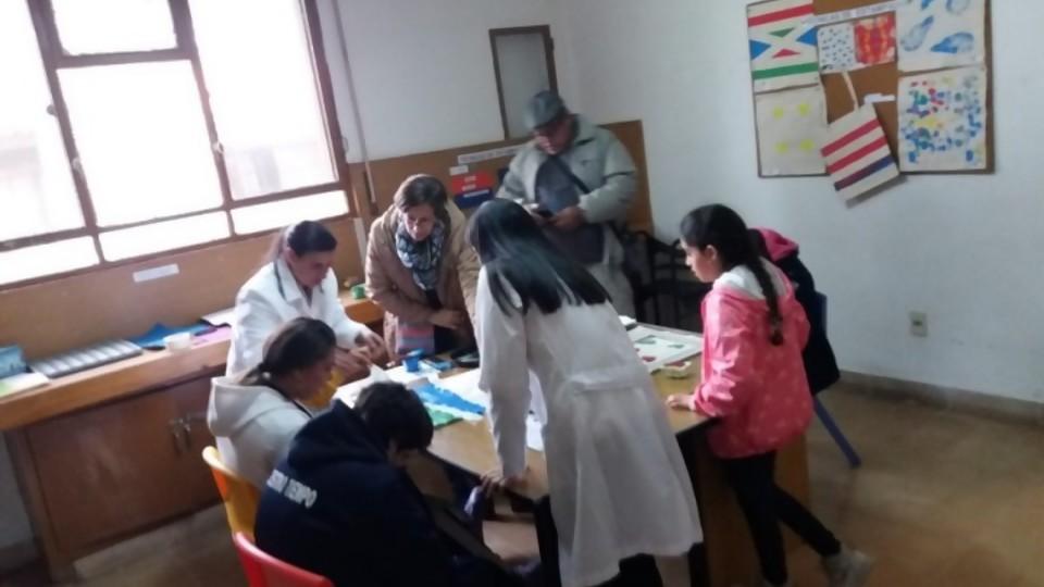 Continuidad educativa en el Tiburcio Cachón —  Qué tiene la tarde — Más Temprano Que Tarde | El Espectador 810