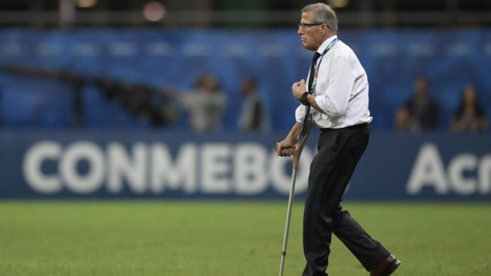Tabárez: 200 partidos y un mismo criterio de convocatoria —  Diego Muñoz — No Toquen Nada | El Espectador 810
