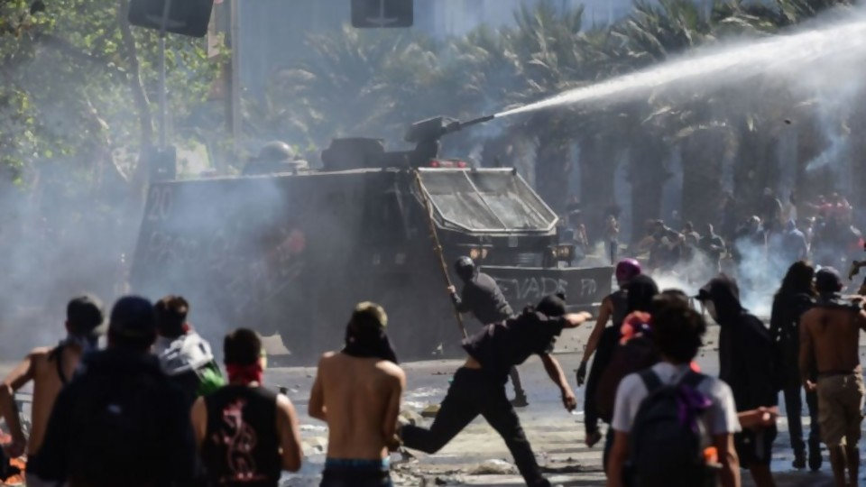 Posibles causas de las protestas en Chile y lo que hubiera hecho Darwin en lugar de Moreira —  NTN Concentrado — No Toquen Nada | El Espectador 810