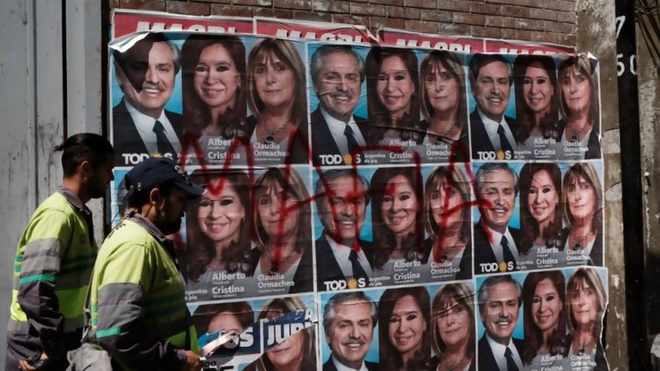 Campaña argentina: el intento de frenar el dólar y la aparición de los cuadernos en la recta final —  Facundo Pastor — No Toquen Nada | El Espectador 810