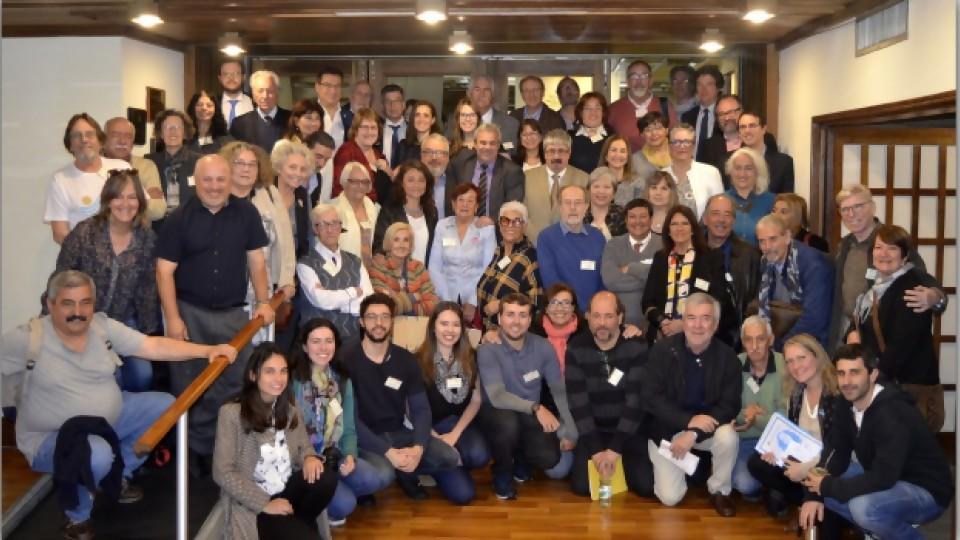 Uruguayos en la diáspora y su vínculo con el país —  Qué tiene la tarde — Más Temprano Que Tarde | El Espectador 810