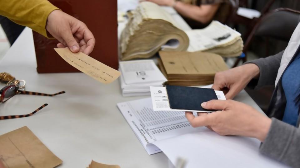 Qué dejó la elección nacional del domingo 27 —  La Entrevista — Más Temprano Que Tarde | El Espectador 810