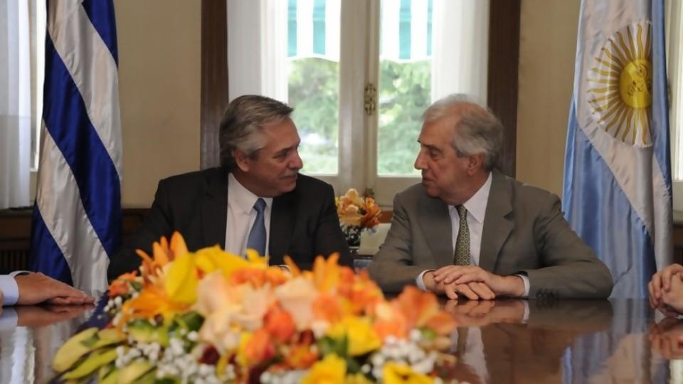 La visita de Alberto Fernández a sus amigos y la derrota de Mieres en la Justicia —  Columna de Darwin — No Toquen Nada | El Espectador 810
