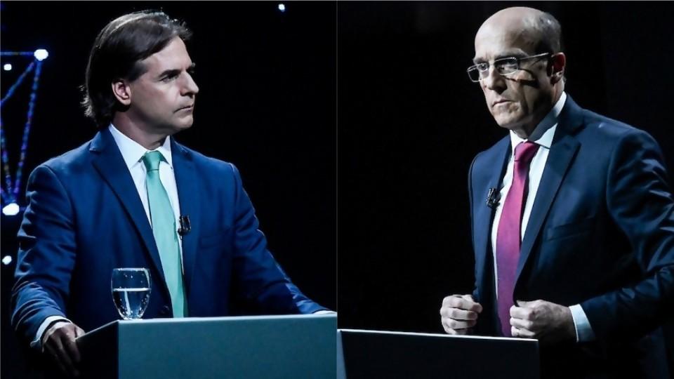 Lo parecido que son Luis Lacalle Pou y Daniel Martínez —  Columna de Darwin — No Toquen Nada | El Espectador 810