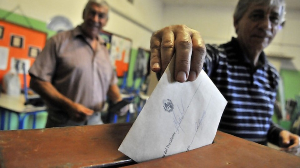 Los expertos en fraude que dieron las garantías a las elecciones en Uruguay —  Informes — No Toquen Nada | El Espectador 810
