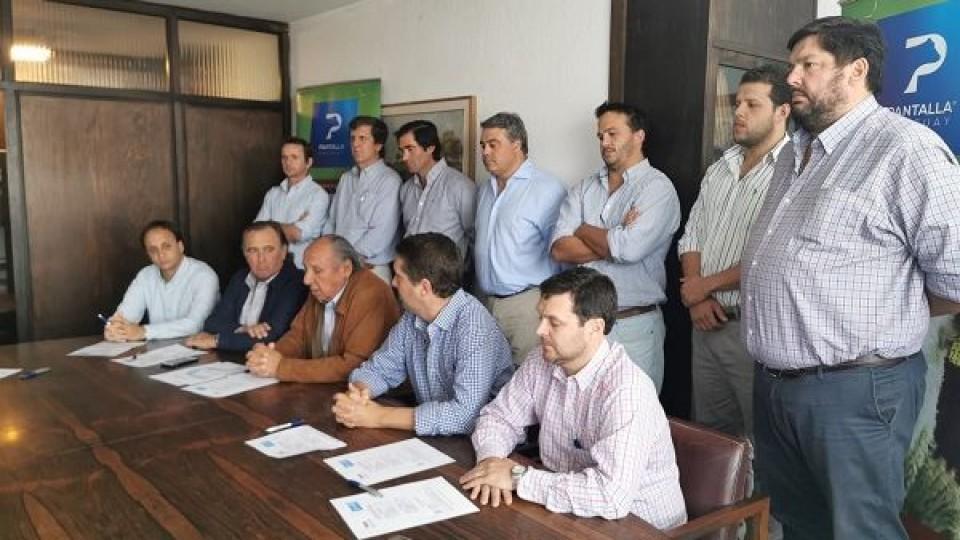 Pantalla Uruguay pone en el mercado 10.500 vacunos —  Ganadería — Dinámica Rural | El Espectador 810