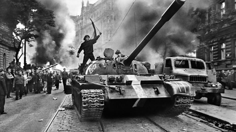 Koudelka: el ingeniero gitano y la Primavera de Praga —  Leo Barizzoni — No Toquen Nada | El Espectador 810