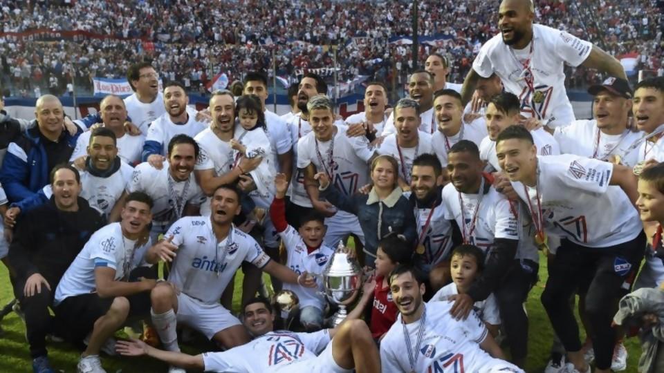 El premio al mejor equipo —  Diego Muñoz — No Toquen Nada | El Espectador 810