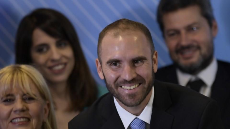 Qué intenta la ley de emergencia argentina, más allá del dólar turista —  Facundo Pastor — No Toquen Nada | El Espectador 810