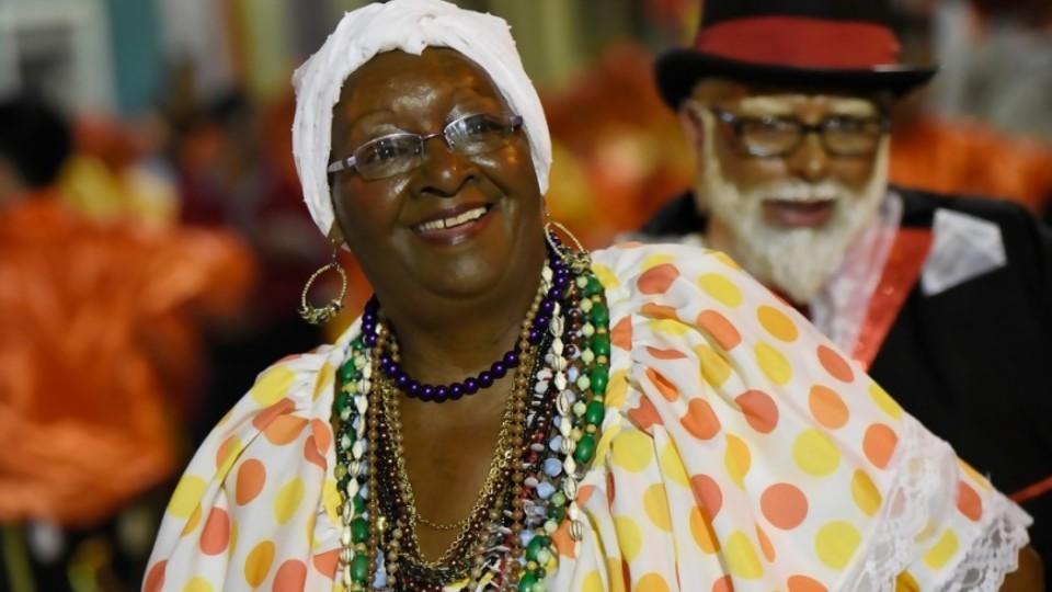 Comienza Carnaval: el fenómeno cultural de mayor convocatoria en Montevideo —  Qué tiene la tarde — Más Temprano Que Tarde | El Espectador 810