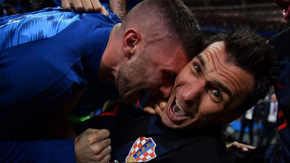 Un fotógrafo de guerra adoptado por Croacia gracias al fútbol —  Leo Barizzoni — No Toquen Nada | El Espectador 810