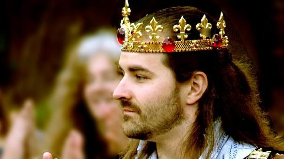 ¡Viva el Rey! —  El mostrador — Bien Igual | El Espectador 810