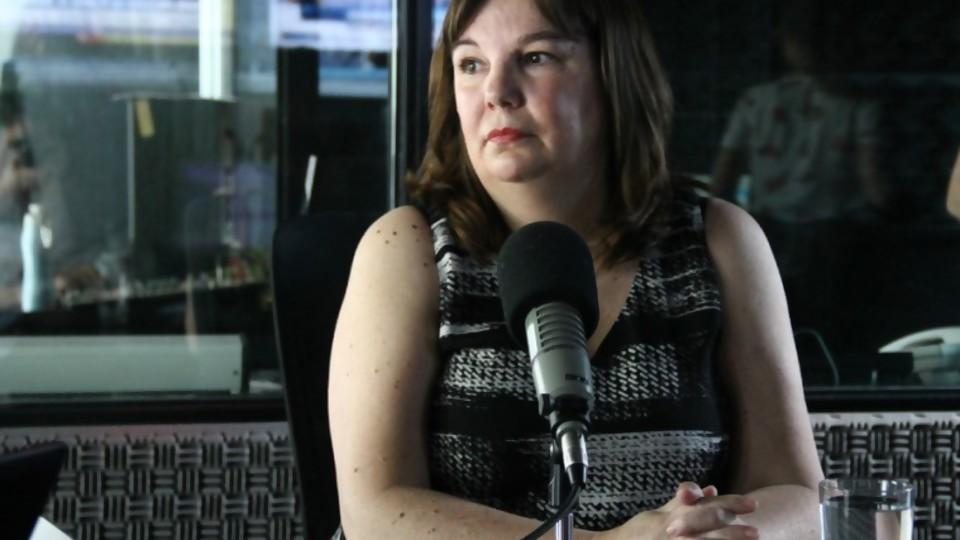 """Dra. Sylvia Lovesio: """"no me olvido de cada uno de los casos de abuso sexual en los que he intervenido"""" —  La Entrevista — Más Temprano Que Tarde   El Espectador 810"""