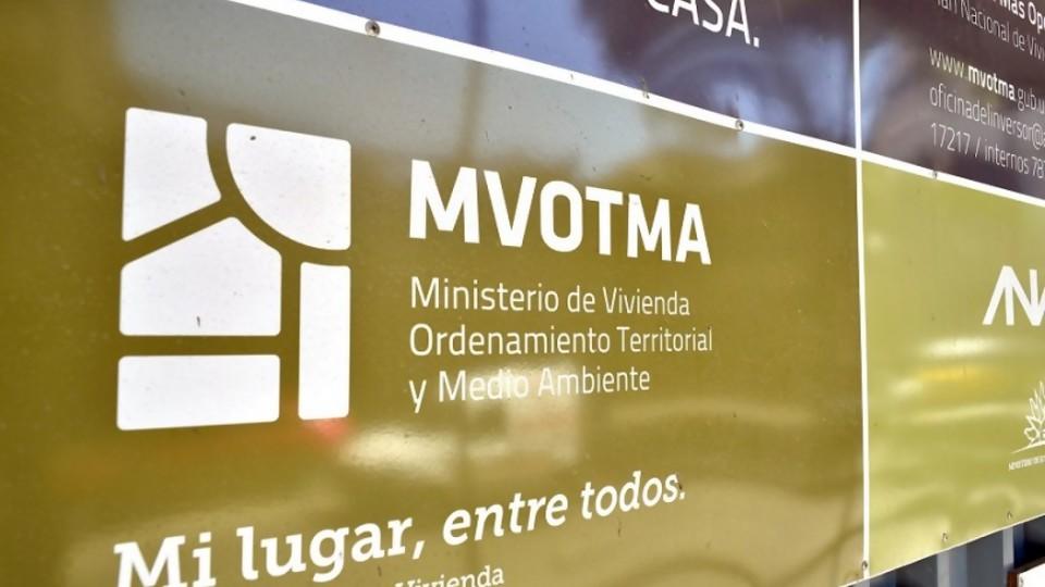 """Ministra de vivienda y transición: estamos a la orden, pero """"no tienen directores"""" —  Informes — No Toquen Nada   El Espectador 810"""