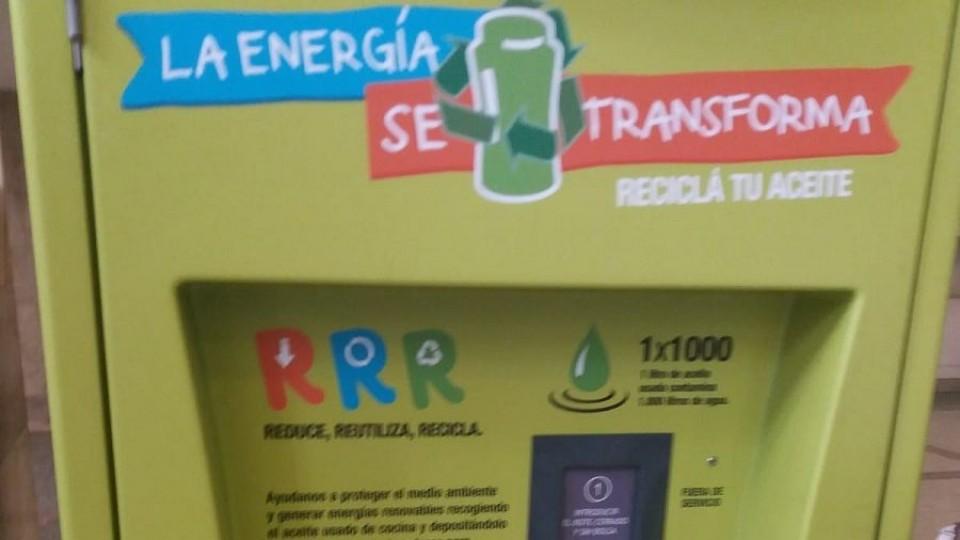Montevideo: cifras récord en reciclaje de aceite doméstico —  Qué tiene la tarde — Más Temprano Que Tarde   El Espectador 810