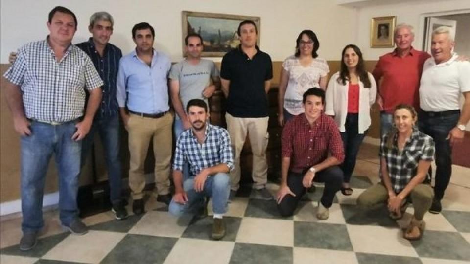 Gira lechera: técnicos y productores uruguayos recorren zona de referencia para la lechería argentina —  Lechería — Dinámica Rural   El Espectador 810