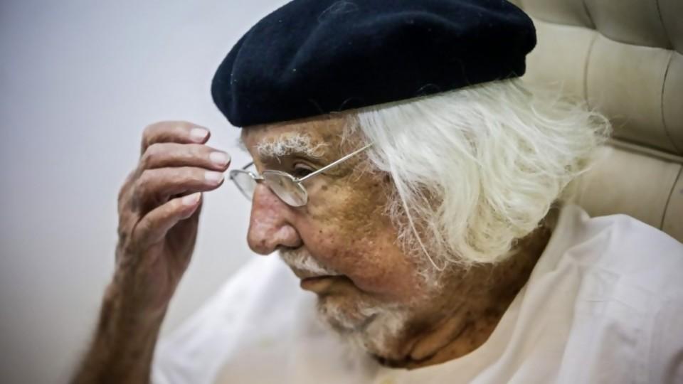 Cardenal: poeta y sacerdote perseguido por dictaduras y condenado por el Vaticano —  Informes — No Toquen Nada | El Espectador 810