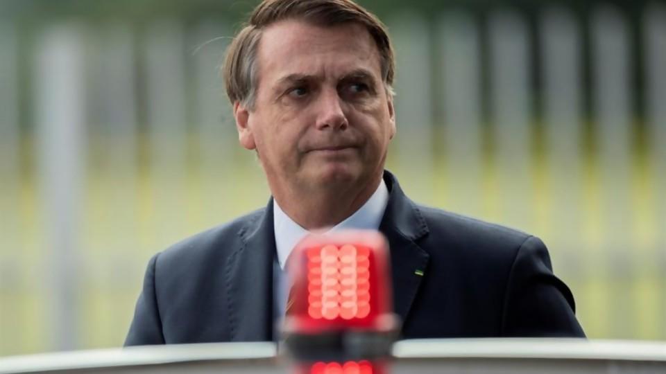 Bolsonaro, el ayuno contra el virus y su aprobación —  Denise Mota — No Toquen Nada   El Espectador 810