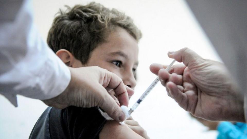 La pandemia, los niños y las vacunas —  Entrada libre — Más Temprano Que Tarde | El Espectador 810