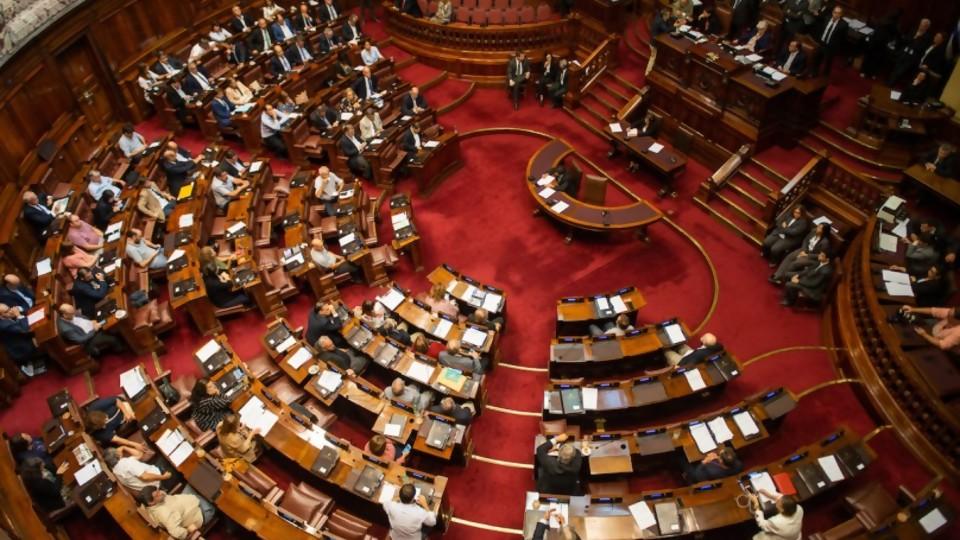Parlamento: acuerdo político para modificar el Art.224 del Código Penal —  Qué tiene la tarde — Más Temprano Que Tarde | El Espectador 810