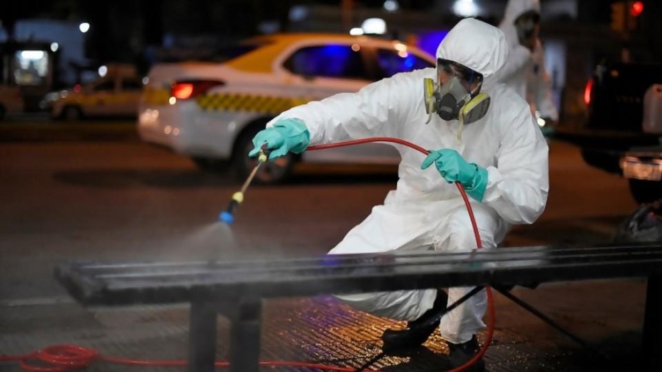 La OMS dice que el covid-19 no se transmite por aire y recomienda no desinfectar calles —  Informes — No Toquen Nada   El Espectador 810