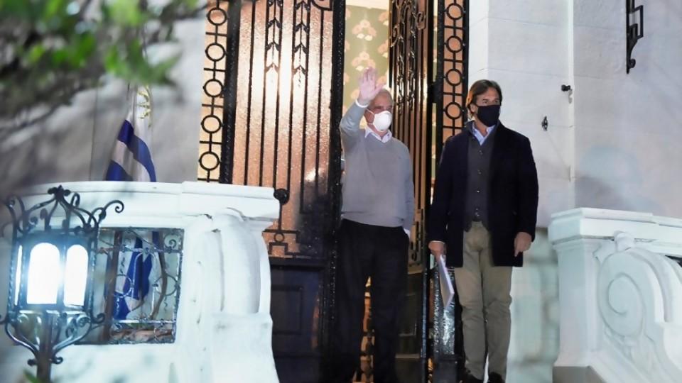 La visita de Lacalle a Vázquez: ¿gesto republicano? ¿busca de rédito propio? ¿ambas? —  Departamento de Periodismo de Opinión — No Toquen Nada | El Espectador 810