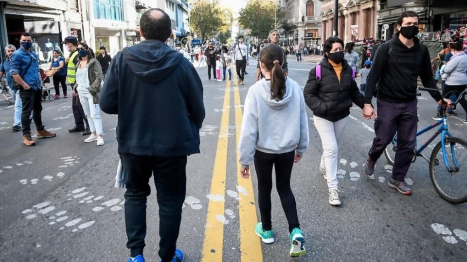 Di Cándido: de pedir toque de queda sanitario a Alfredito Covichegaray organizador del Covid-Parade —  Columna de Darwin — No Toquen Nada | El Espectador 810