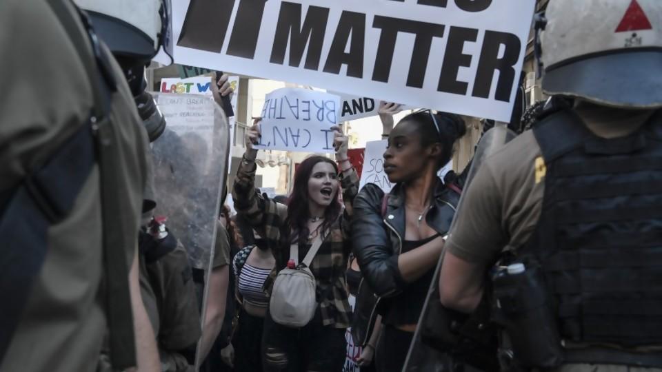 EEUU: el tono sesentista de las protestas y por qué le sirven a Trump —  La Entrevista — Más Temprano Que Tarde | El Espectador 810