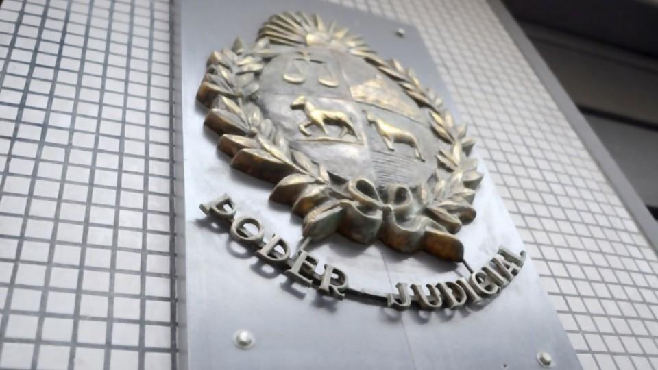 Niegan extradición de pareja del ministro Da Silveira por cuestión de forma —  Informes — No Toquen Nada   El Espectador 810